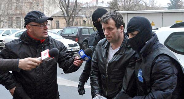 Guccifer, le célèbre pirate informatique va être extradé aux Etats-Unis
