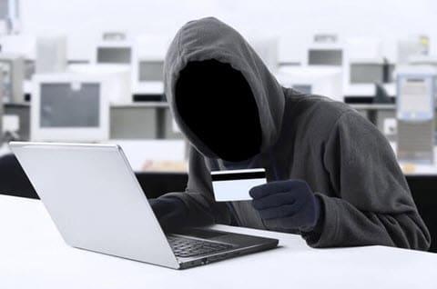 «Zeus» : un virus informatique qui peut vider votre compte bancaire !