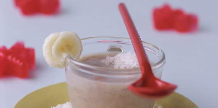 Recette de mousse de banane, noix de coco et cerises