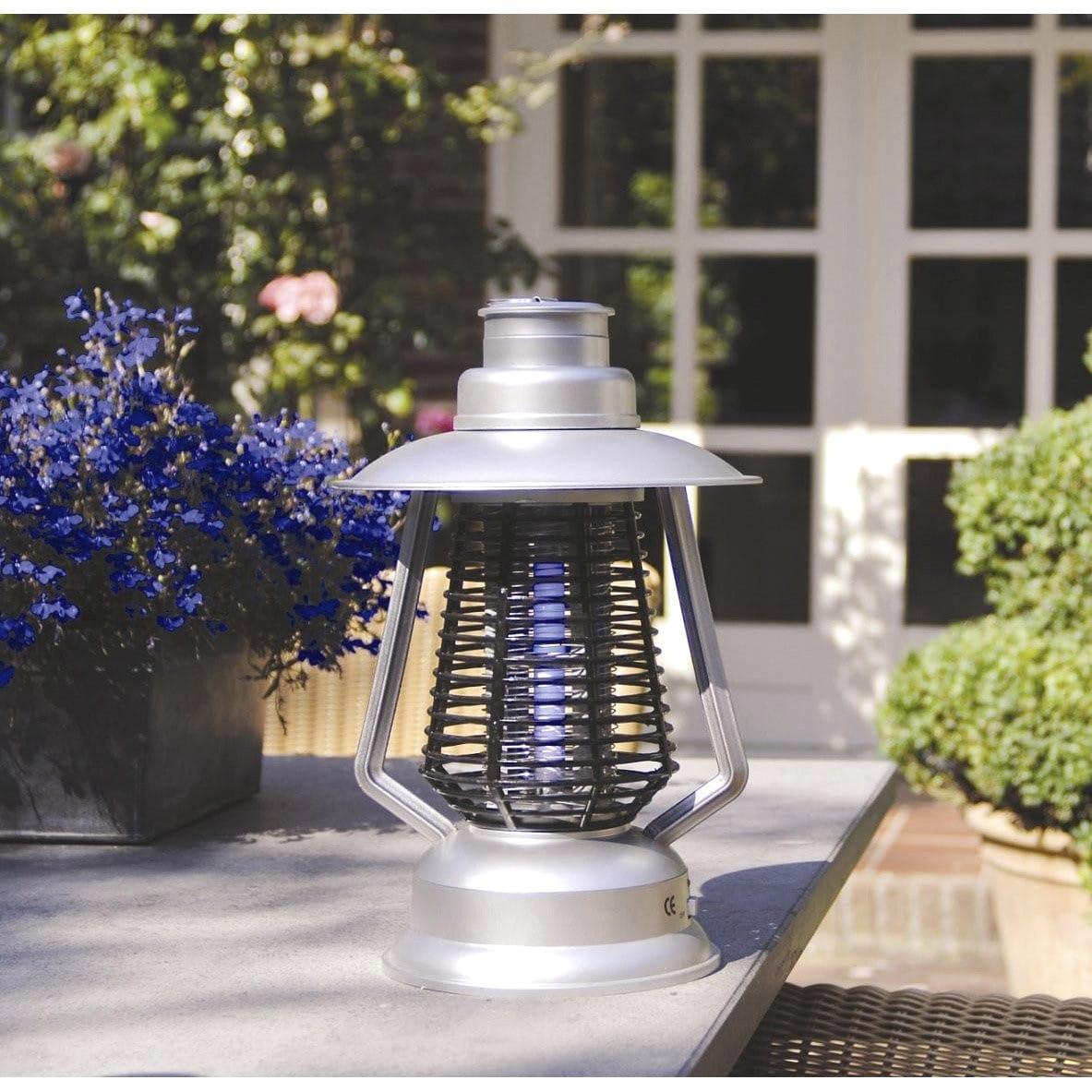 Une lampe pour tuer les moustiques