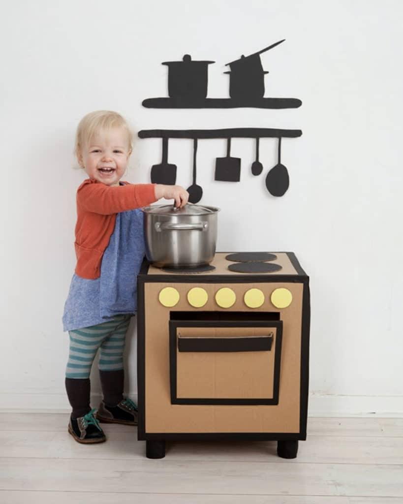 Cuisinière enfant