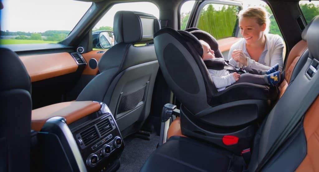 Le siège auto pivotant