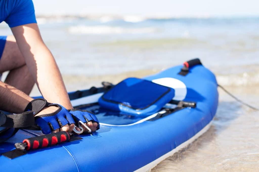 Zoom sur le kayak gonflable