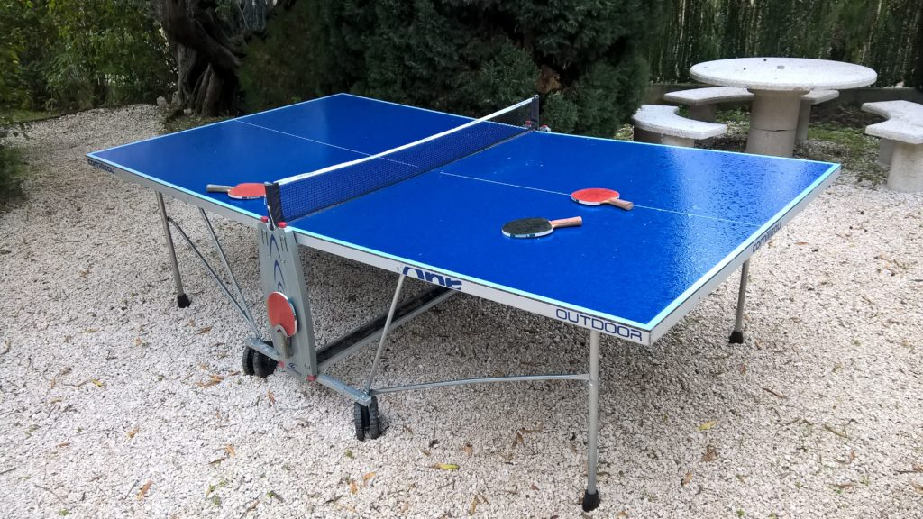 La table de ping pong pliable