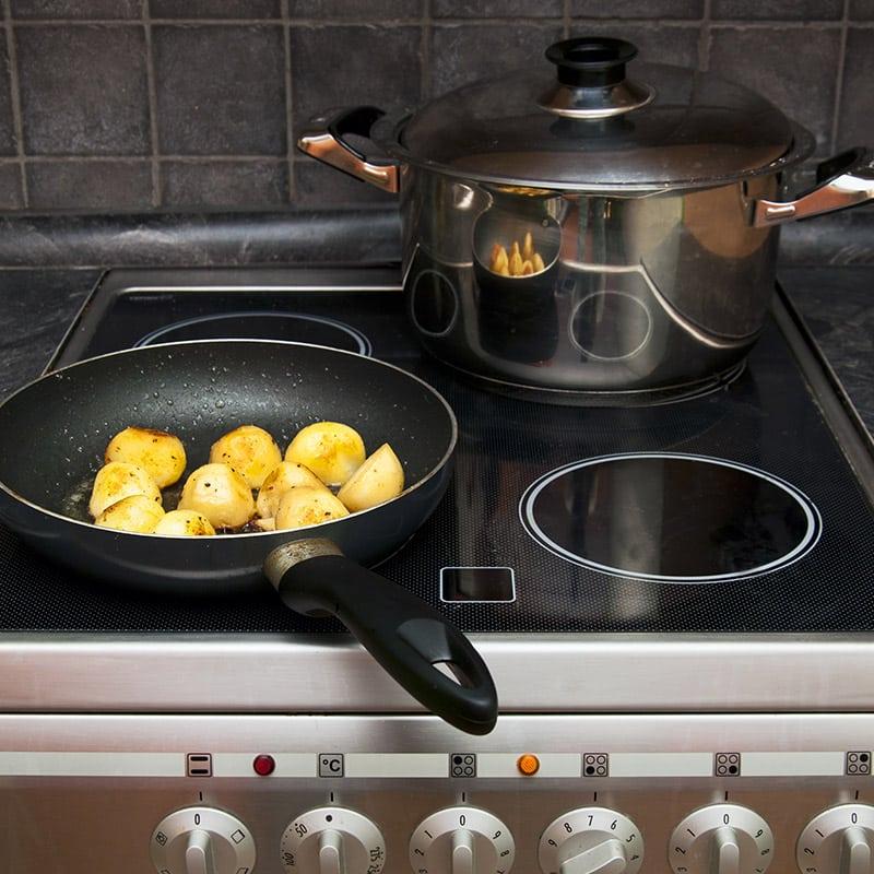 Cuisinière à gaz, vitrocéramique ou induction : que choisir ?