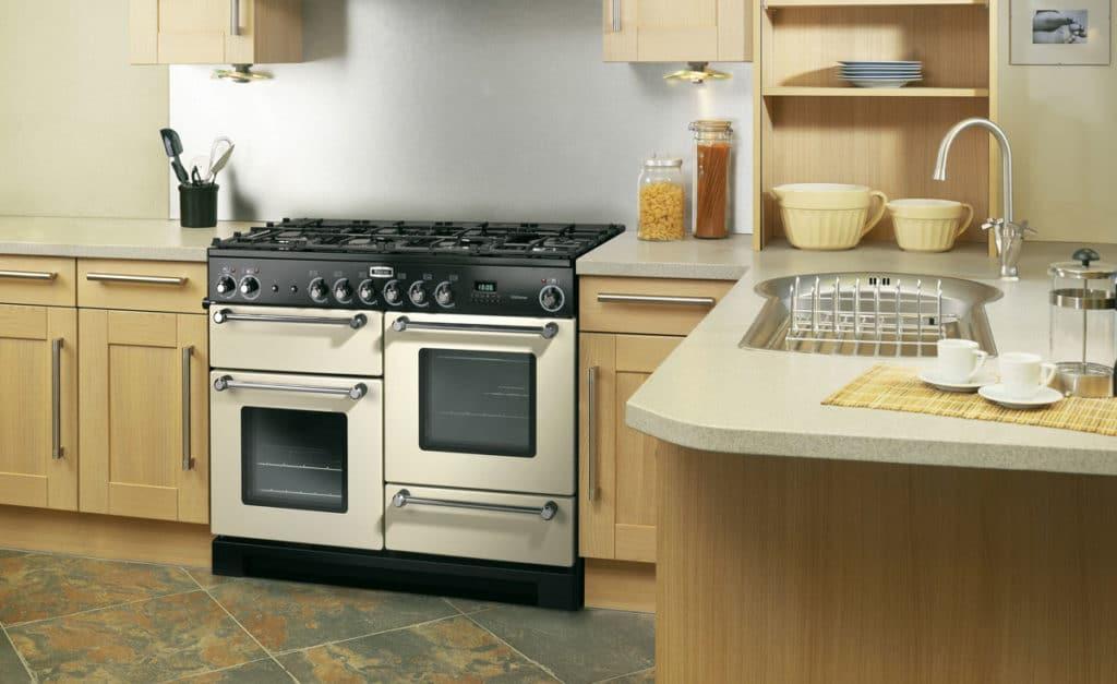 Zoom sur le piano de cuisson